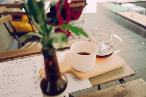 Filterkaffee-Außensitzplätze