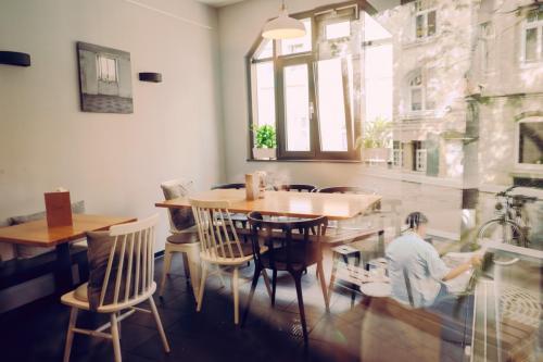 Cafe-DA-Gastraum